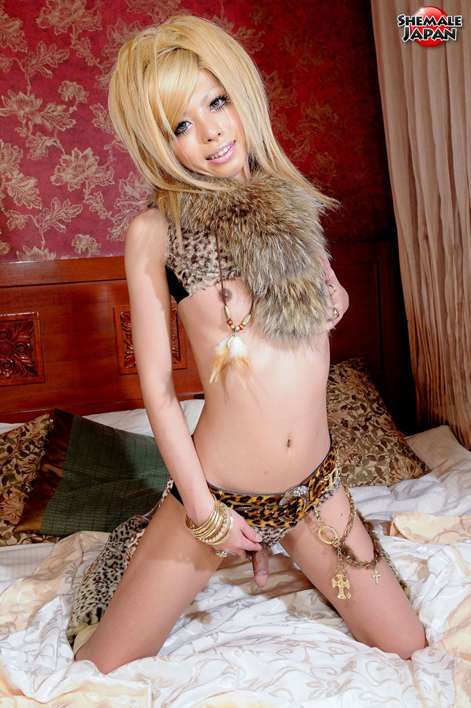pimpandhost.com-cat-goddess