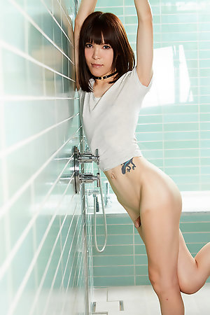 Yui Kawai  shows her body in this  shower.
